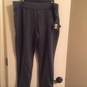 Gray cropped pant